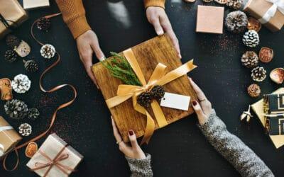 Wie viel Geld geben Österreicher für Weihnachtsgeschenke aus?